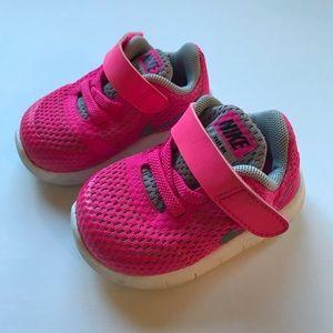 Nike RN Sneakers